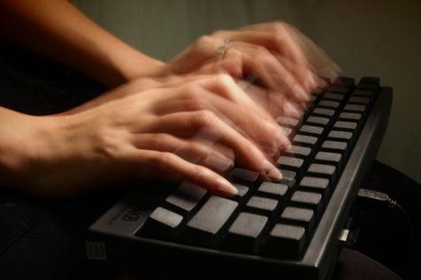 klavyede hızlı yazmak için yapılması gerekenler